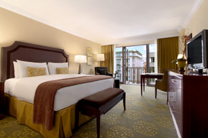 The Fairmont Washington, DC, has renovated three guestroom floors.