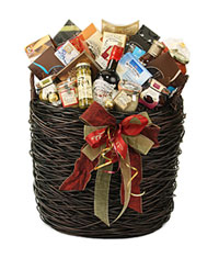 Lina Epicure's gift basket brims with gourmet goodies.