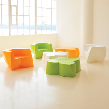 Gehry Easy Chair & Fiori Table