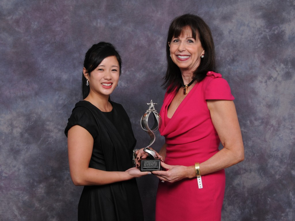 Alison Silcoff (right) and Isabelle Lê accept a Special Events Gala Award.