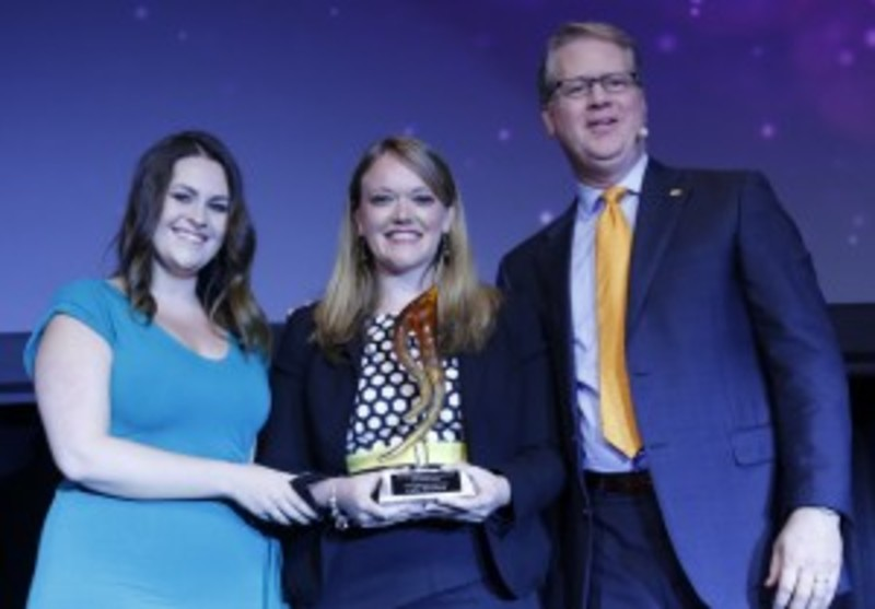 Lydia Blanchard (centre) received the 2016 RISE Award for Young Professional from Paul Van Deventer, president and CEO, MPI; and Courtney Stanley, Strategic Partnership Membership, EventMobi and MPI International Board of Directors member.