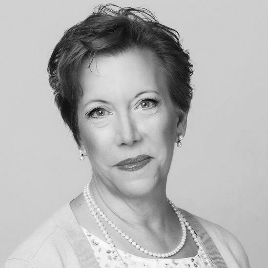 Ellie MacPherson (2015)